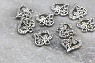jewelry-metal-heart-pendant-charms