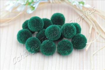 handmade-cotton-pompoms-army-green