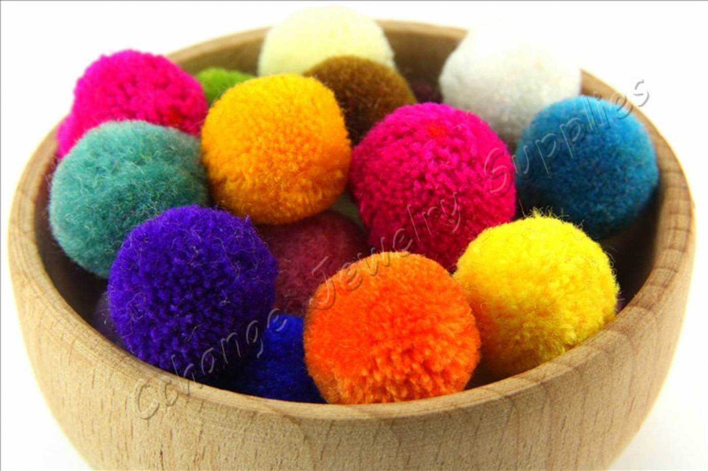 mini-handmade-cotton-pompom.jpg