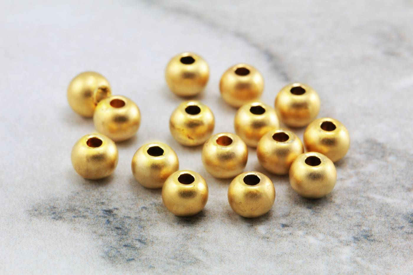 gold-plated-ball-5mm-spacer-metal-beads.jpg