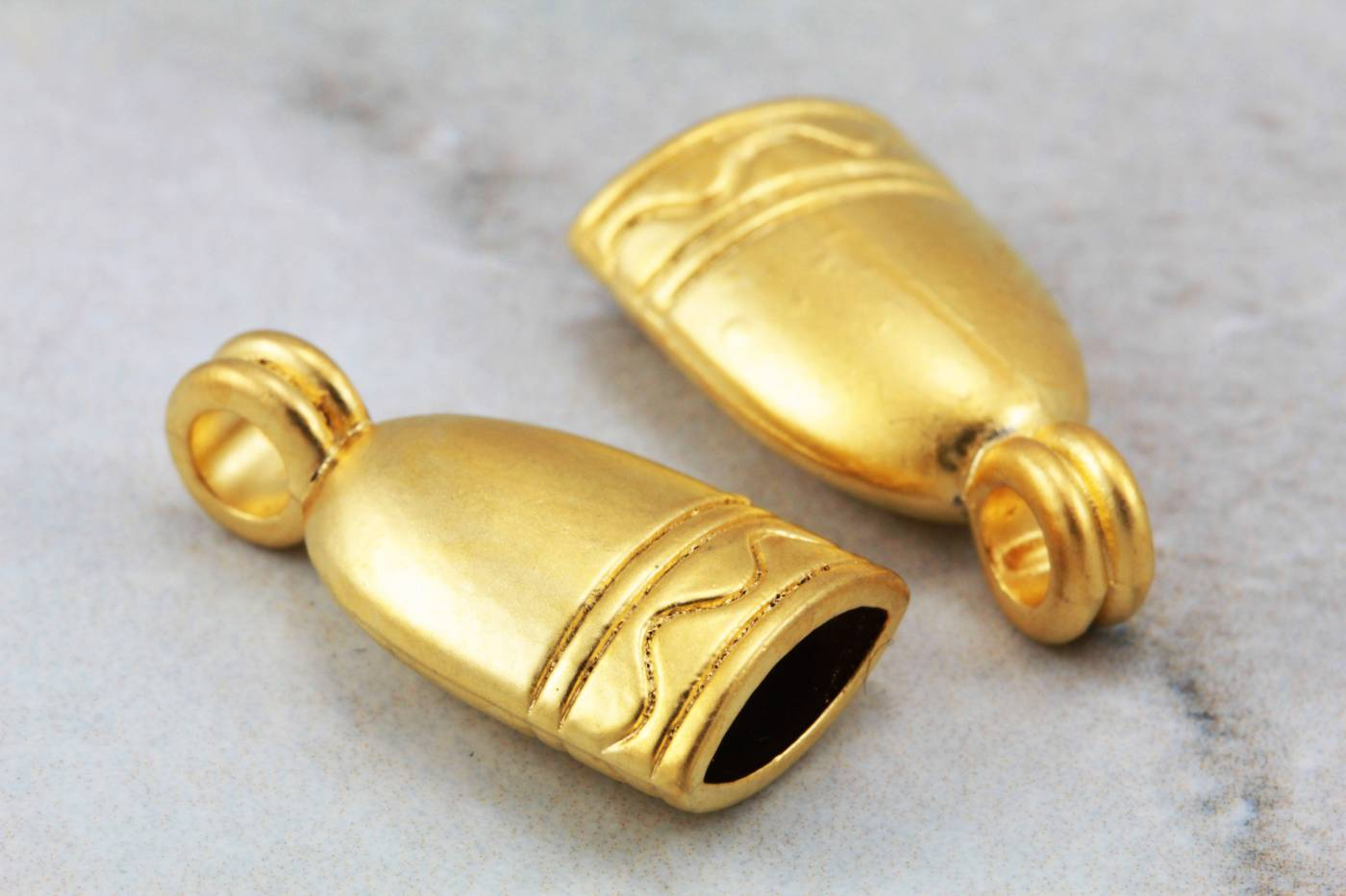 gold-metal-oval-end-cap-findings.jpg