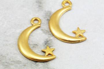 gold-plated-metal-tiny-moon-pendants