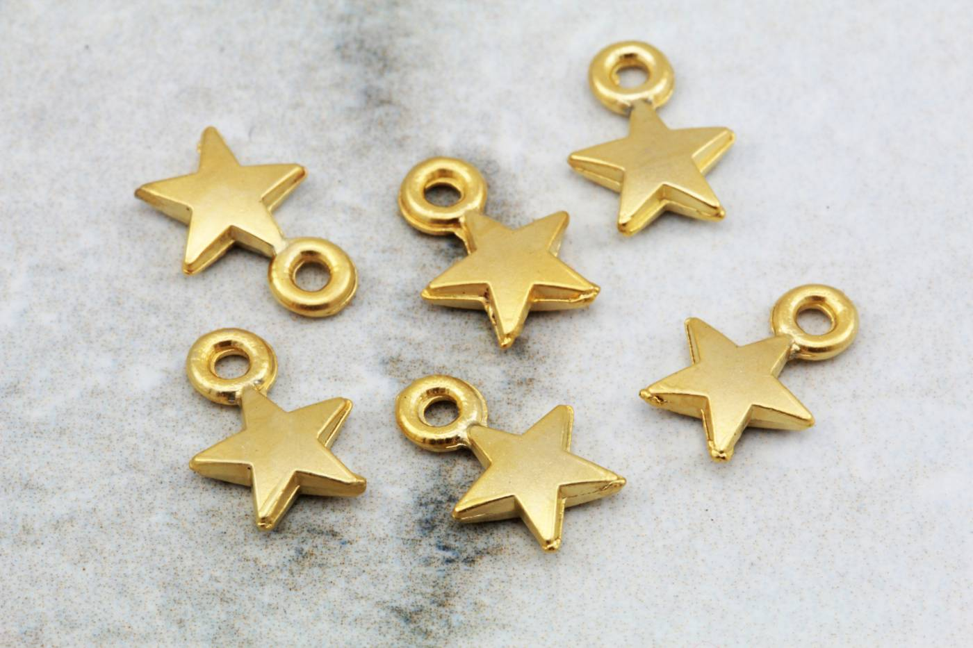 gold-plate-mini-small-metal-star-pendant.jpg