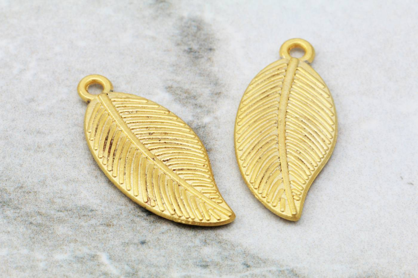 gold-plated-metal-leaf-pendant-findings.jpg