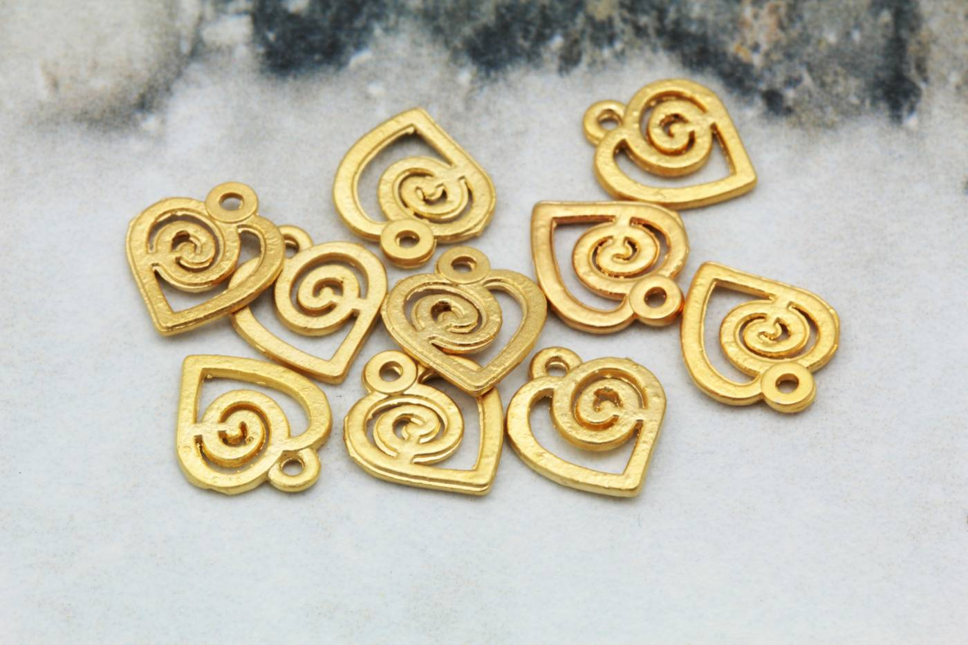 gold-plated-heart-tiny-metal-pendants.jpg