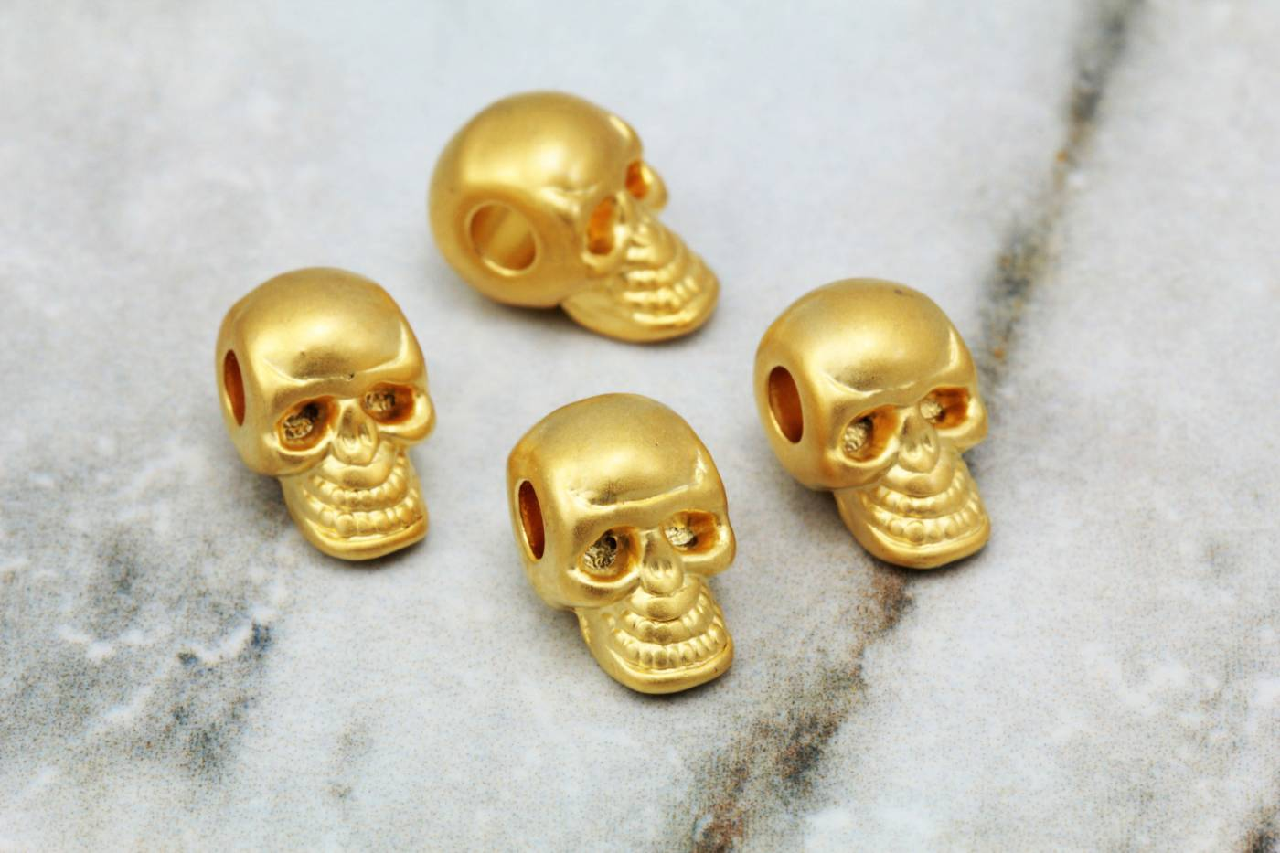 gold-metal-skull-dead-head-charms.jpg