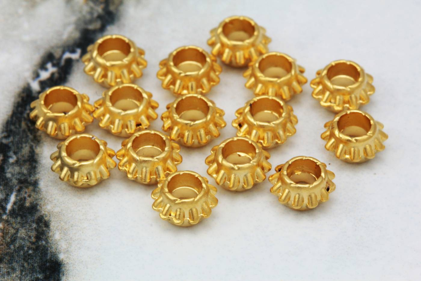 gold-metal-spacer-findigs-online-shop.jpg