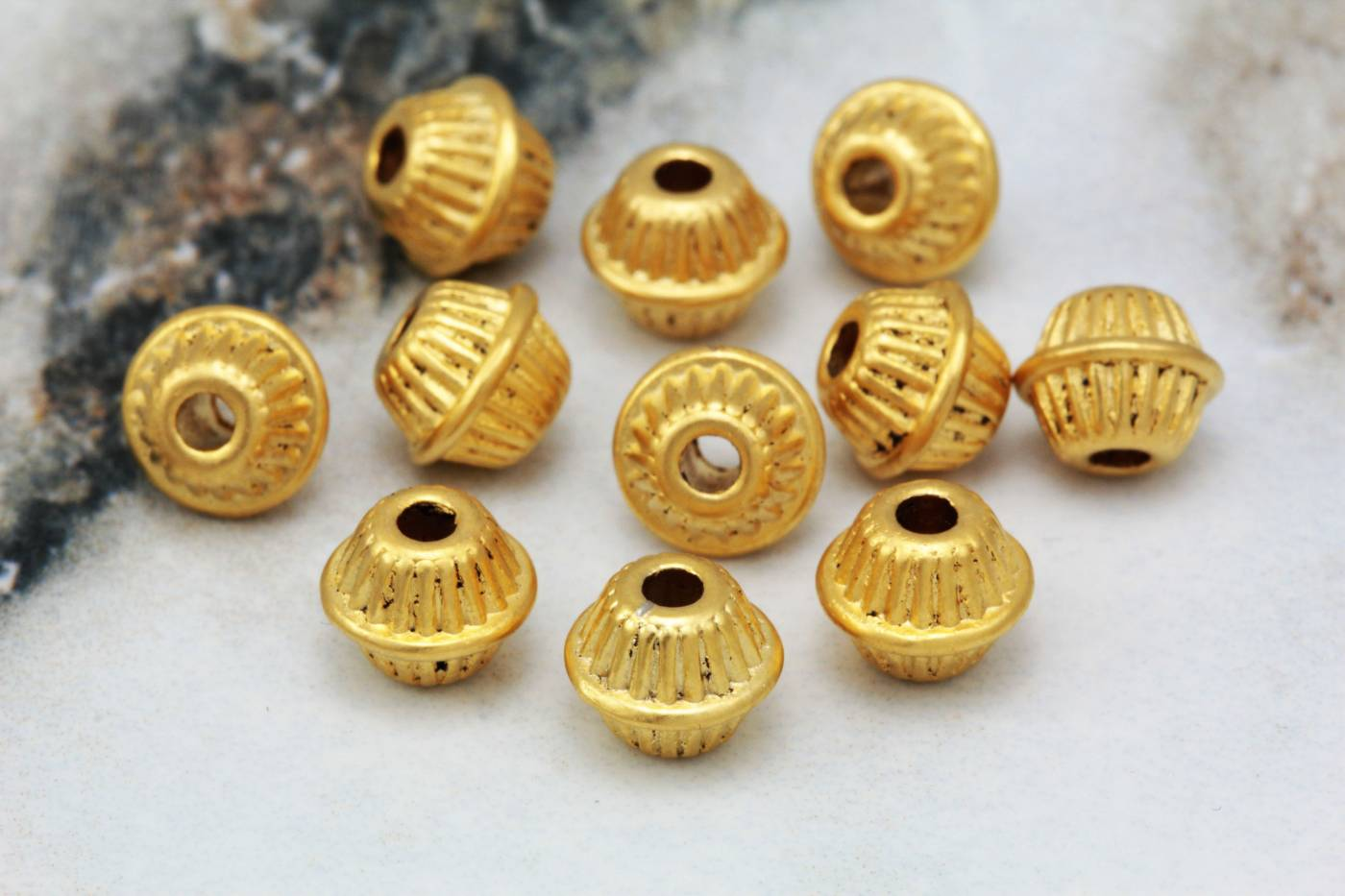 gold-plated-metal-bicone-shape-spacers.jpg