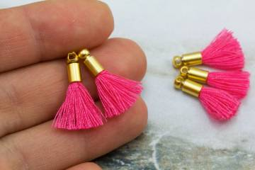 2cm-dark-pink-cotton-mini-tassels