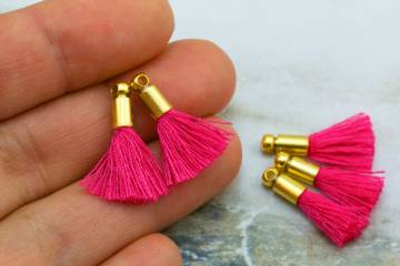 2cm-fuchsia-pink-cotton-mini-tassels