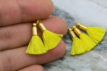 2cm-lemon-yellow-cotton-mini-tassels