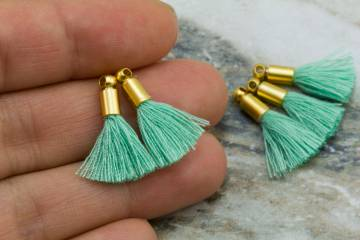 2cm-spring-green-cotton-mini-tassels