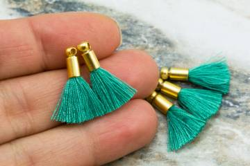 2cm-lightemerald-cotton-mini-tassels