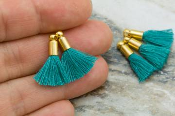 2cm-emerald-cotton-mini-tassels