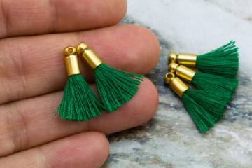 2cm-lawn-green-cotton-mini-tassels