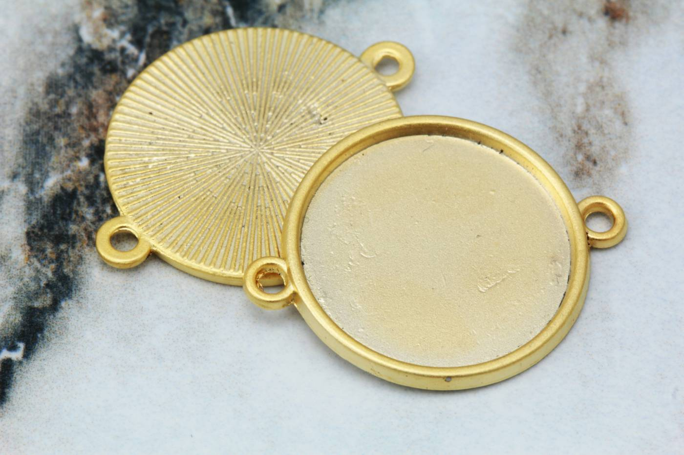 gold-round-metal-cabochon-settings.jpg