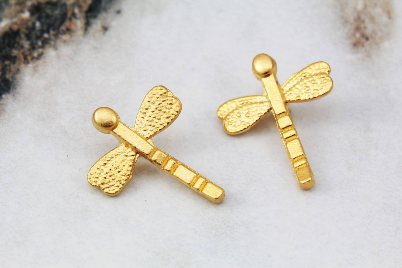 gold-plated-tiny-dragonfly-pendants.jpg