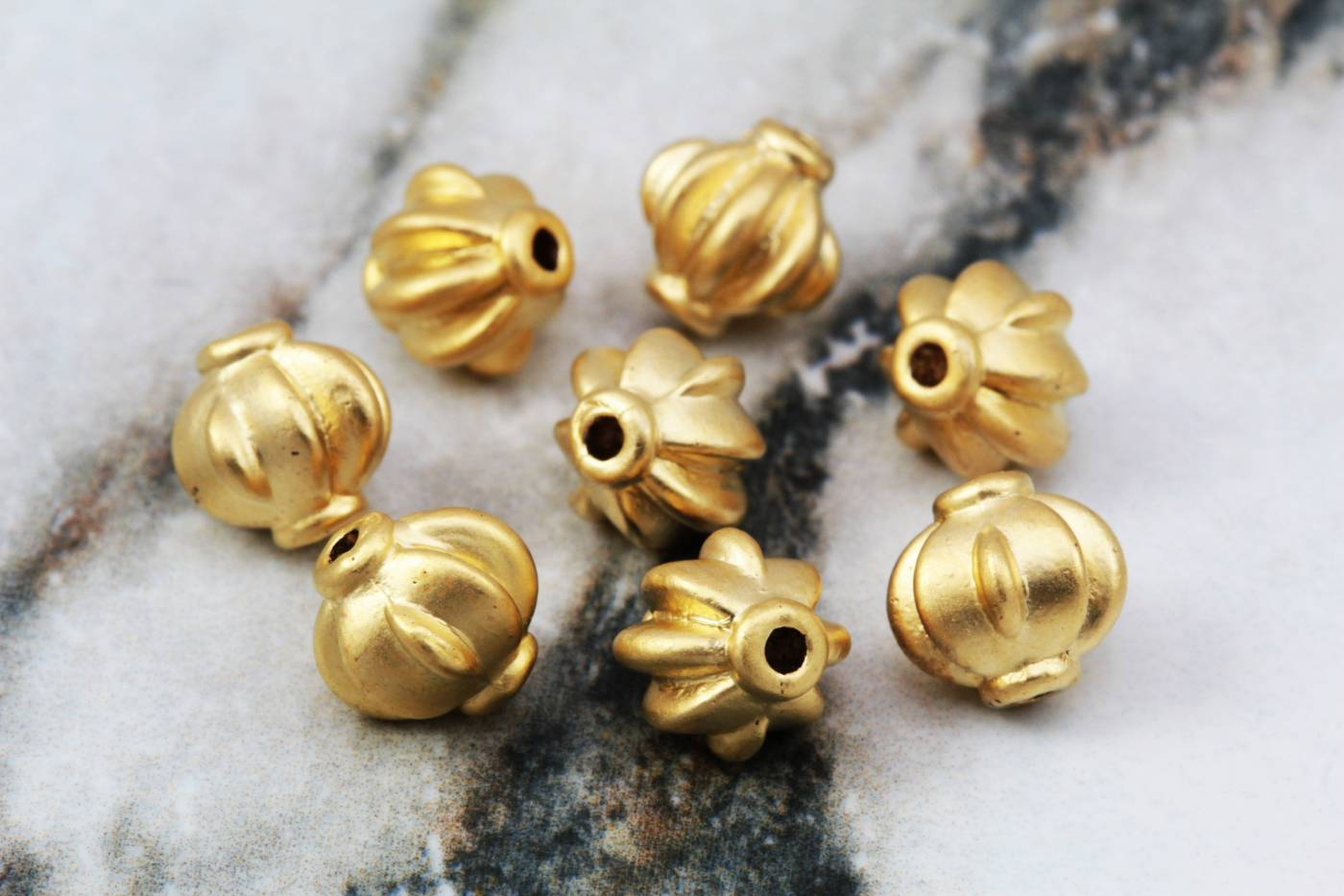 gold-plated-metal-round-spacer-bead.jpg