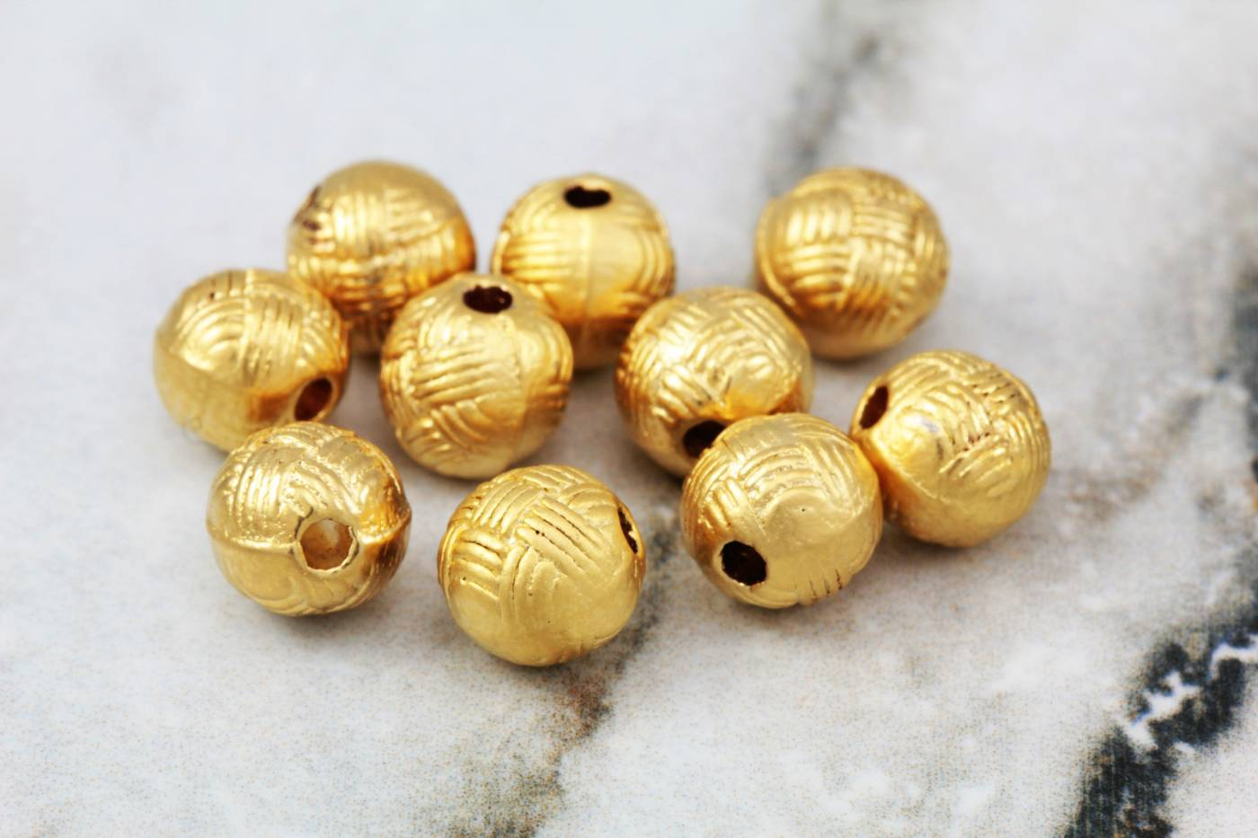 gold-plated-metal-round-ball-spacers.jpg