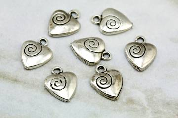 silver-metal-heart-love-pendants